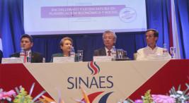 La UNA recibio acreditacion del SINAES10
