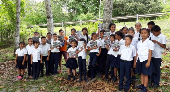 LA UNA comparte la produccion academica con centros educativos de la zona indigena Curre2