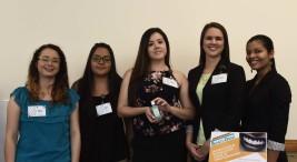 Estudiantes UCR crean enjuague con el potencial de regenerar el esmalte dental